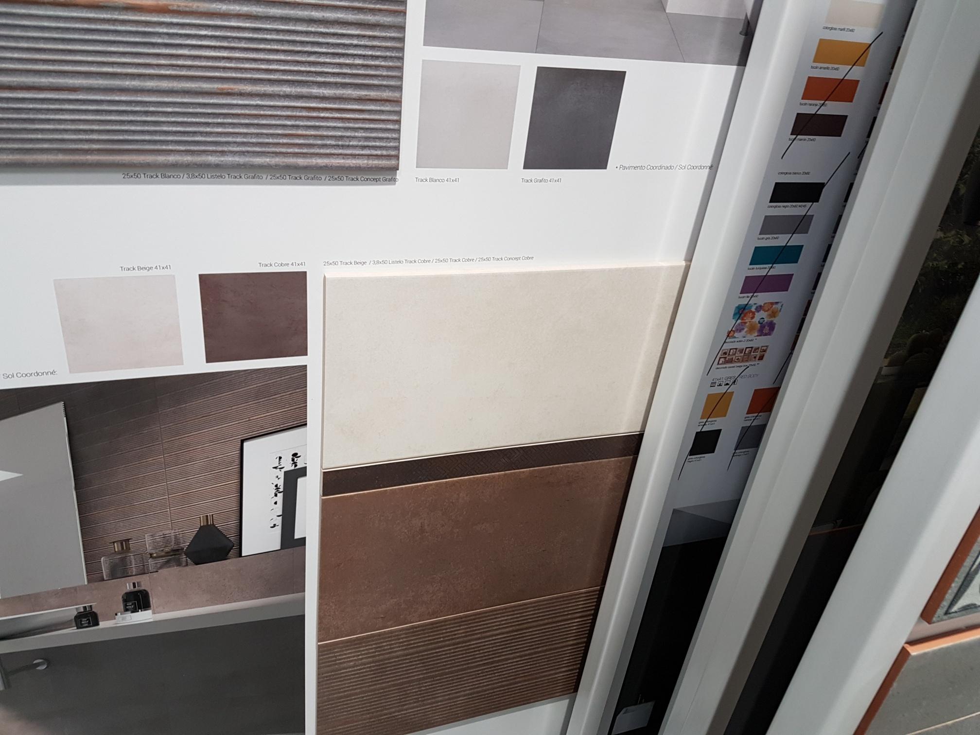 salle de bain carrele jusquau plafond ide pose carrelage mural salle de bain amazing best. Black Bedroom Furniture Sets. Home Design Ideas